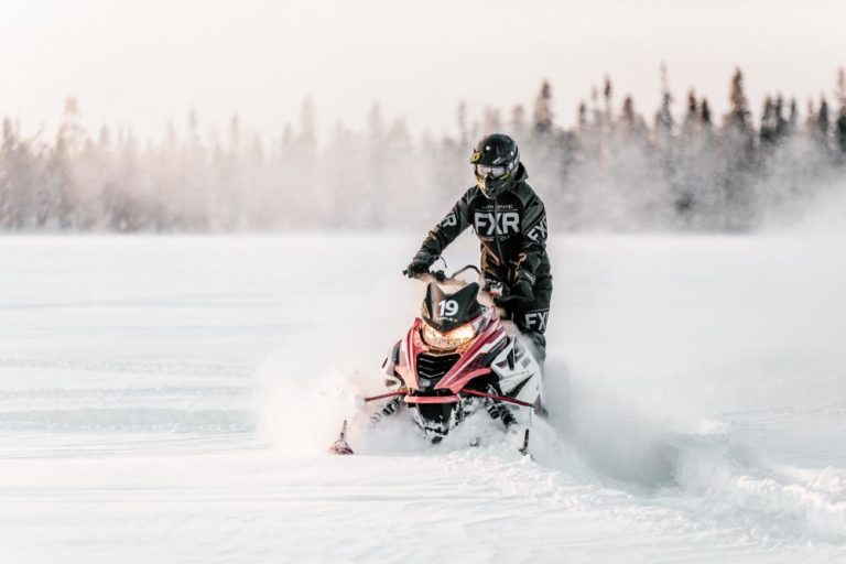 TRIPLE-X-Snowmobile-49